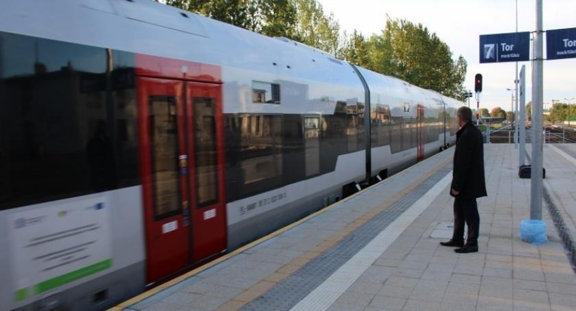 Transport, weeekend będą utrudnienia linii odcinku Gdańsk Matarnia Gdańsk Rębiechowo - zdjęcie, fotografia