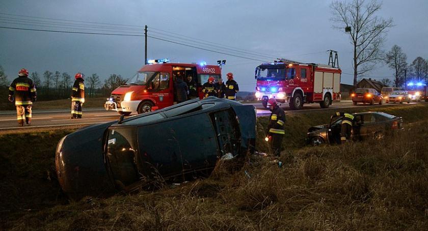 Wypadki, Wypadek Wyczechowie jedna osoba szpitalu - zdjęcie, fotografia