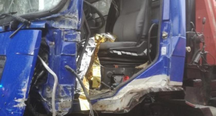 Wypadki, Chwaszczyno Zderzenie dwóch ciężarówek jedna osoba szpitalu - zdjęcie, fotografia
