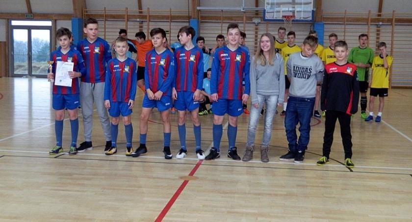 Piłka nożna, Turniej Piłki Nożnej Halowej Somoninie rocznika - zdjęcie, fotografia
