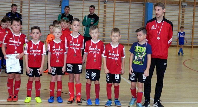 Piłka nożna, Turniej Piłki Nożnej Halowej Kiełpinie rocznika - zdjęcie, fotografia