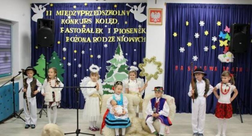 Przedszkola, Kolędy pastorałki konkursie przedszkolu Chmielnie - zdjęcie, fotografia