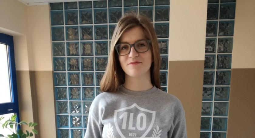 Szkoły średnie, Sukces Natalii Wolskiej uczennicy Kartuzach Olimpiadzie Solidarności - zdjęcie, fotografia