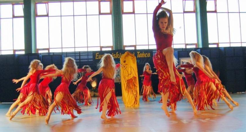 Taniec, Rapsodia podium festiwalu tańca - zdjęcie, fotografia