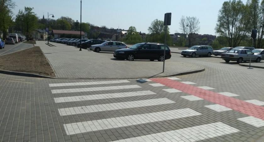 Wieści z samorządów, parking Wzgórzu działa ponad miejsc - zdjęcie, fotografia