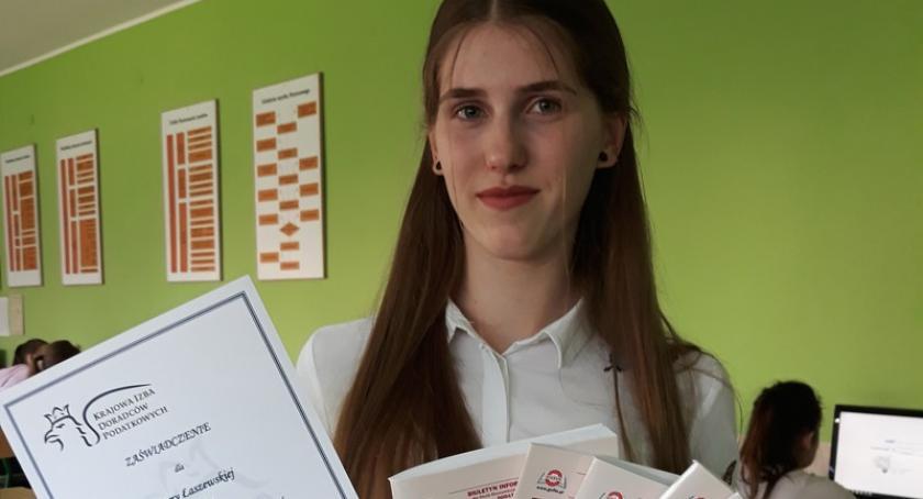 Szkoły średnie, Joanna Łaszewska Wzgórza finalistką Ogólnopolskiego Konkursu Wiedzy Podatkach - zdjęcie, fotografia