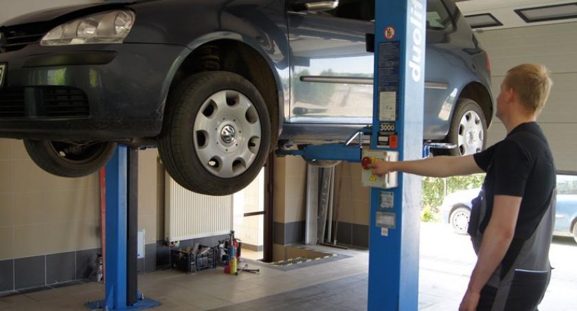 Biznes i finanse, Odśwież samochód wiosnę Mechanika pojazdowa Tomka zaprasza warsztatu Borowie - zdjęcie, fotografia