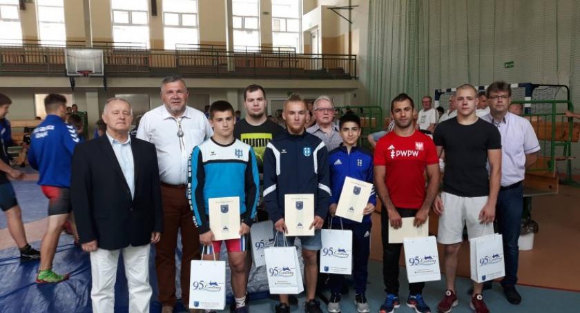 Sporty walki, Zapaśnicy Cartusii triumfowali Memoriale Braci Pryczkowskich - zdjęcie, fotografia