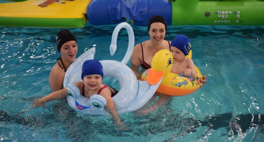 Pływanie, milusińscy spędzili Dzień Dziecka pływalni Neczk Kartuzach - zdjęcie, fotografia