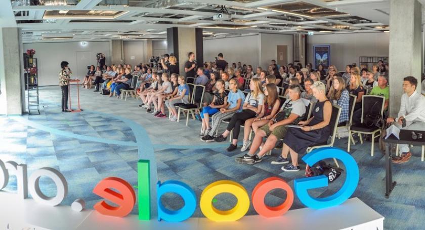 Organizacje pozarządowe, Żukowo Mądrzy Cyfrowi odpowiedzialnie korzystać nowych technologii - zdjęcie, fotografia