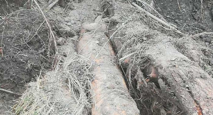 Kronika policyjna, Podczas budowie drogi Prokowo Łapalice odkryto niewypał - zdjęcie, fotografia