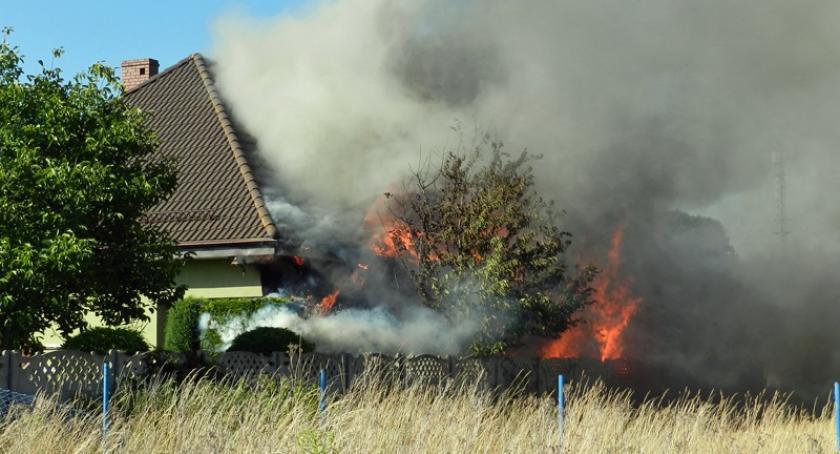 Pożary, Pożar budynku mieszkalnego Żukowie - zdjęcie, fotografia