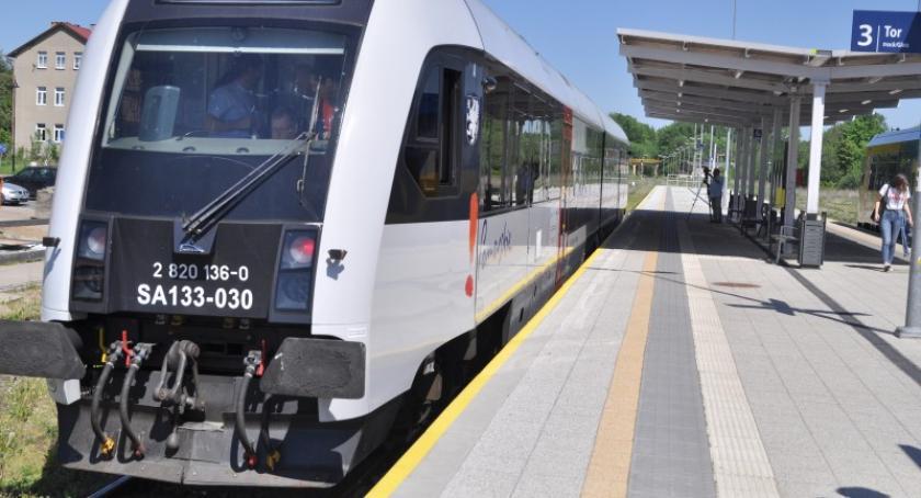 Transport, Kaszuby stracą połączenia Trójmiastem przyszłym ruszy modernizacja linii Kokoszki Glincz - zdjęcie, fotografia