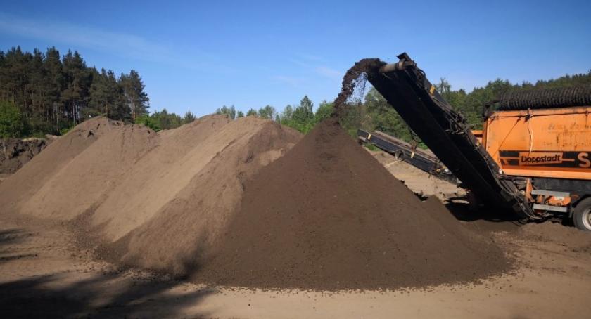 Artykuł sponsorowany, Czarnoziem idealny Twojego ogrodu sprawdź ofertę firmy Intrans - zdjęcie, fotografia