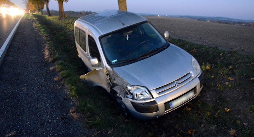 Wypadki, Kolizja Borczu piątkowy poranek - zdjęcie, fotografia