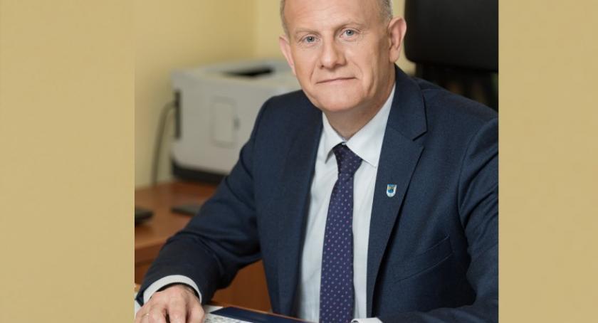 Wybory, Wojciech Kankowski podziękowania wyborców - zdjęcie, fotografia