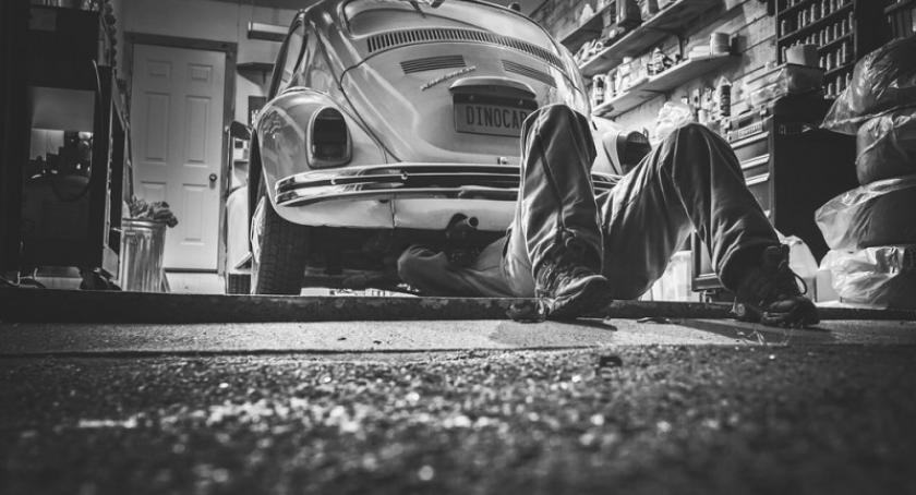 Biznes i finanse, garaż postawić - zdjęcie, fotografia