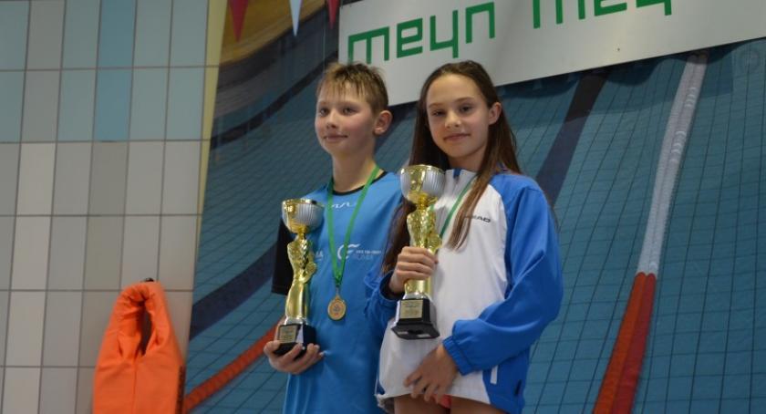 Pływanie, Kartuscy pływacy medalami ogólnopolskich zawodach - zdjęcie, fotografia