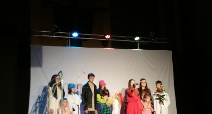 Rozrywka, Młodzi żukowscy aktorzy zaprezentowali Gdyńskim przeglądzie sztuce naprawdę ważne - zdjęcie, fotografia