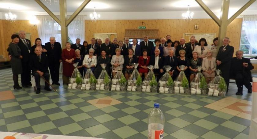 Seniorzy, Somonino Uhonorowano złotych diamentowych żelaznych jubilatów - zdjęcie, fotografia