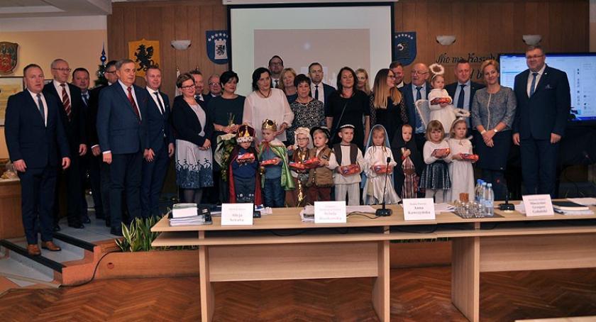 Przedszkola, Dzieci Akademii Przedszkolaka wystpiły jasełkach sesji miejskiej - zdjęcie, fotografia