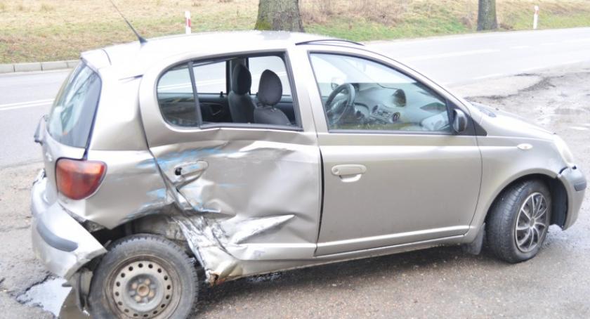 Wypadki, Zderzenie dwóch pojazdów Smętowie Chmieleńskim - zdjęcie, fotografia