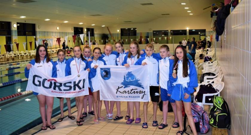 Pływanie, Kartuscy pływacy złotymi medalistami ogólnopolskich zawodach Lęborku - zdjęcie, fotografia