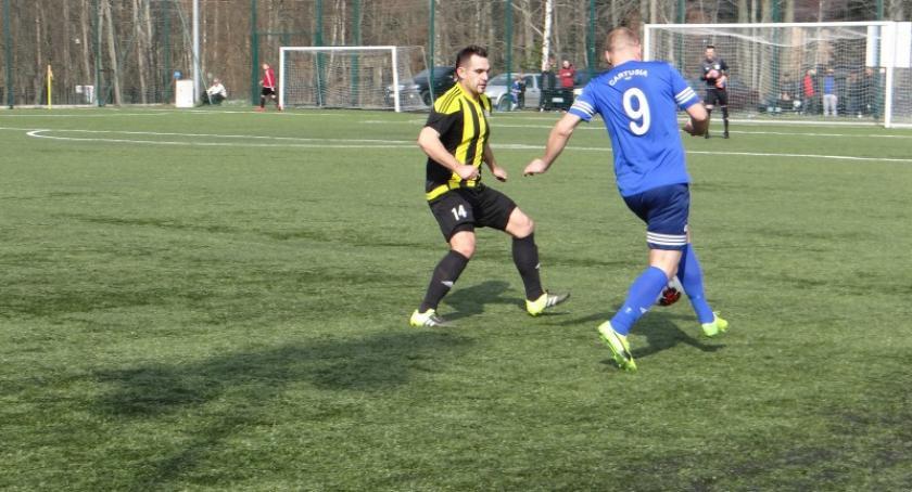 Piłka nożna, Zwycięstwo Cartusii Wietcisą Skarszewy - zdjęcie, fotografia