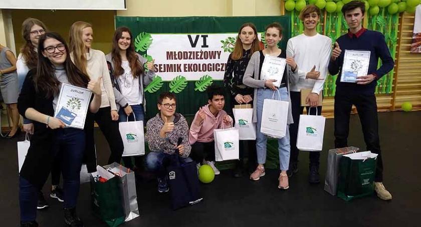 Szkoły podstawowe, Uczniowie banińskiej podstawówki wzięli udział Sejmiku Ekologicznym - zdjęcie, fotografia