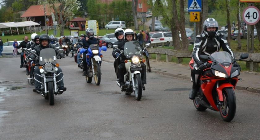 Sporty motorowe, Motocykliści rozpoczęli sezon Mściszewicach - zdjęcie, fotografia