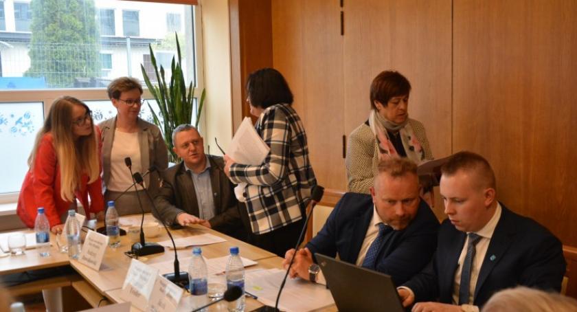 Wieści z samorządów, Kartuzy Nieformalna zaskakująca sesja sesji wygaśnięcia mandatów radnych - zdjęcie, fotografia