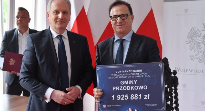 Inwestycje, Umowy schetynówki podpisane pięć kartuskich samorządów dotacją - zdjęcie, fotografia