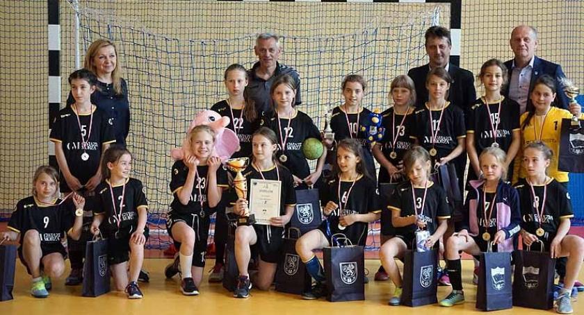 Piłka ręczna, Banino Ogólnopolski Kaszubski Turniej Piłki Ręcznej Dziewcząt - zdjęcie, fotografia