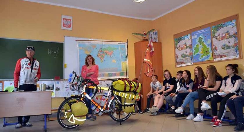 Szkoły podstawowe, Niecodzienny gość Szkole Podstawowej Żukowie - zdjęcie, fotografia