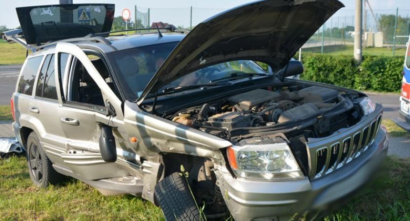 Wypadki, Wilanowo Zderzenie dwóch pojazdów skrzyżowaniu - zdjęcie, fotografia