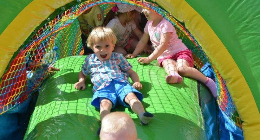 Imprezy, Pełen zabawy uśmiechu atrakcji Festyn Rodzinny Klukowej Hucie - zdjęcie, fotografia