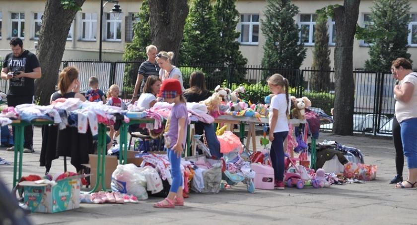Akcje społeczne i charytatywne, sobotę letnia Giełda Kartuzach - zdjęcie, fotografia