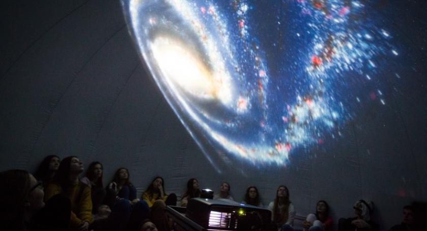 Szkoły podstawowe, Mobilne Planetarium zawita Stężycy - zdjęcie, fotografia