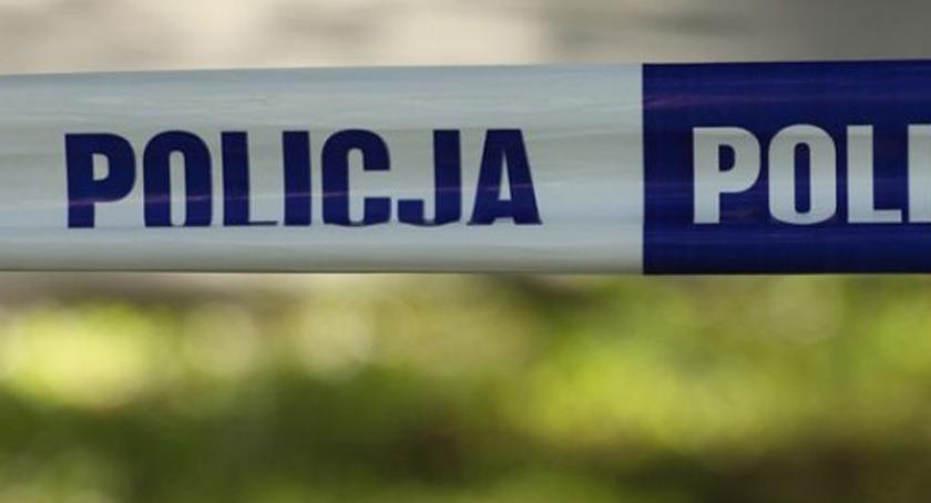 Wypadki, Pijany kierowca wjechał budynek Tuchomiu - zdjęcie, fotografia