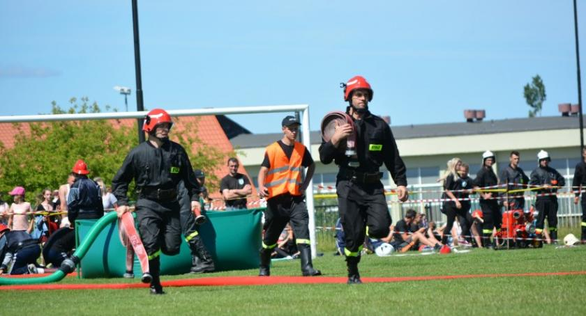 Straż pożarna, Strażacy gminy Sierakowice rywalizowali sporcie pożarniczym - zdjęcie, fotografia
