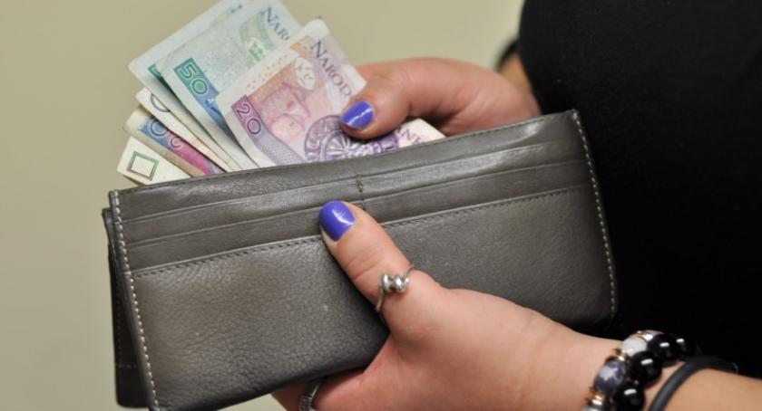 Podatki i opłaty, Sierakowice Będą wyższe stawki odbiór śmieci - zdjęcie, fotografia