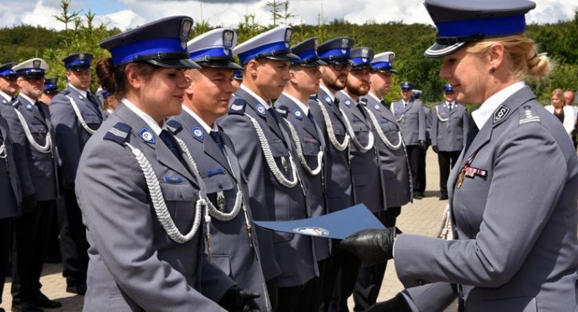 Policja, Święto policji Kartuzach mundurowi otrzymali awanse odznaczenia życzenia - zdjęcie, fotografia
