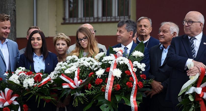 Uroczystości patriotyczne, Kartuzach upamiętniono rocznicę Powstania Warszawskiego - zdjęcie, fotografia