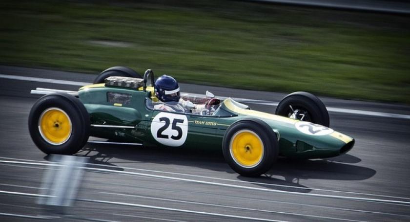 Artykuł sponsorowany, Trwający obecnie sezon Formuły - zdjęcie, fotografia