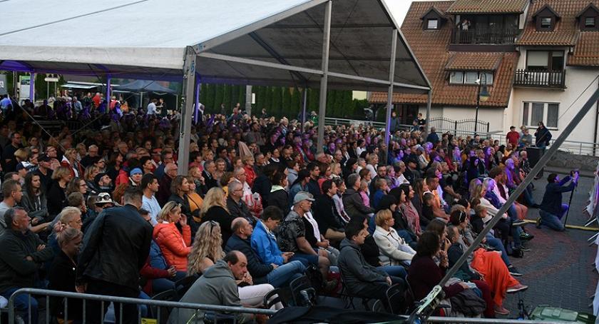 Rozrywka, Przepiękne koncerty Grażyny Łobaszewskiej Julii Pietruchy piątkowej odsłonie Festiwalu Ostrzycach - zdjęcie, fotografia