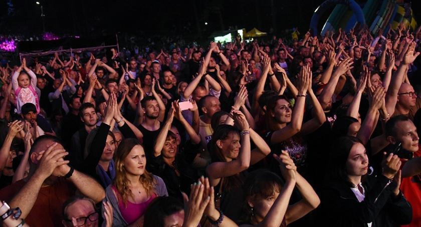 Imprezy, Jeziorkiem Żukowie świetny koncert grupy Strachy Lachy - zdjęcie, fotografia