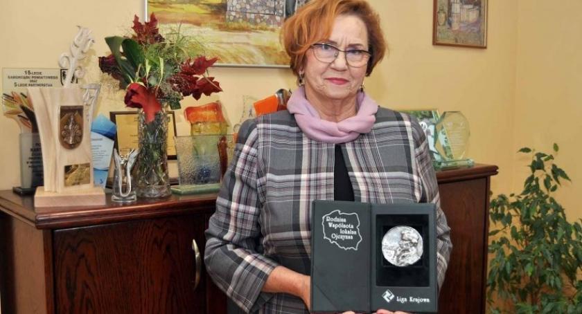 Wybory, Janina Kwiecień powalczy mandat posła - zdjęcie, fotografia
