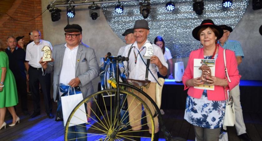 Kaszubszczyzna, Festiwal Tradycji Kaszubskich Chmielnie Robert Jakubek Mistrzem Polski zażywaniu tabaki - zdjęcie, fotografia