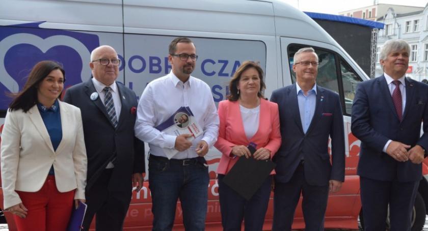 Wybory, Kandydaci zainaugurowali kampanię wyborczą Kartuzach - zdjęcie, fotografia