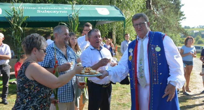 Imprezy, Sulęczynie dzielili chlebem dziękowali tegoroczne plony - zdjęcie, fotografia